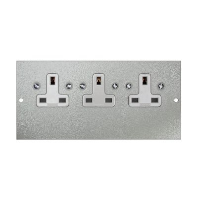 1 To 3 Compartment Plate – 3x UK Unswitched Sockets