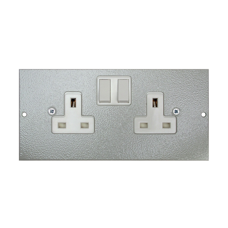 1 To 3 Compartment Plate – Side Wired Twin UK Switched Sockets